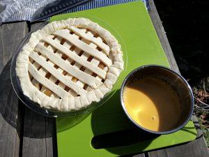 キャンプ飯 アップルパイ